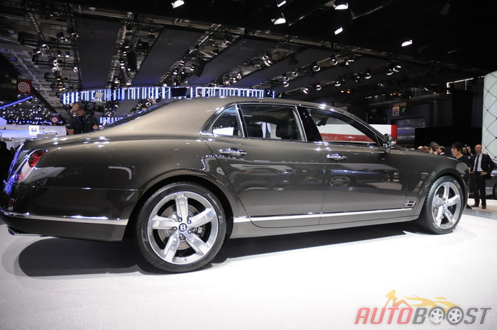 direct Paris 2014 : Bentley Mulsanne Speed