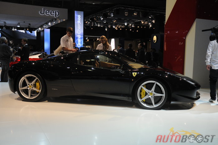 mondial de l 39 automobile 2010 ferrari 458 italia. Black Bedroom Furniture Sets. Home Design Ideas