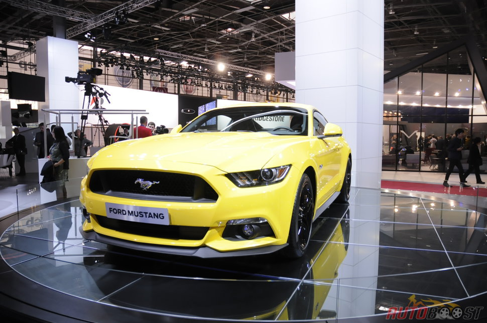 photo ford mustang a paris 2014. Black Bedroom Furniture Sets. Home Design Ideas