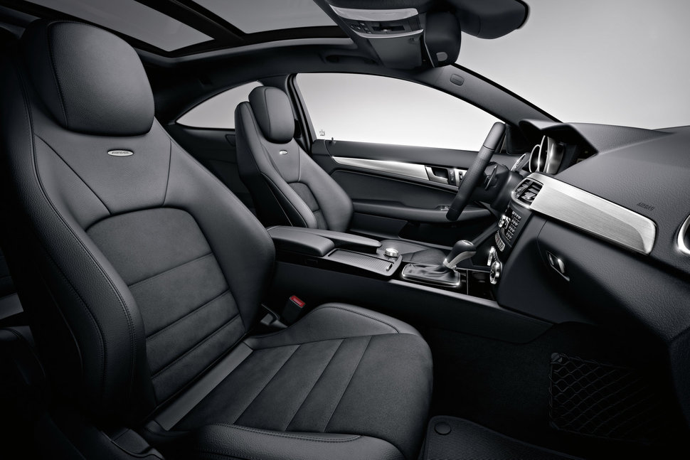 photo mercedes c63 amg coupe 2012 interieur cuir noir. Black Bedroom Furniture Sets. Home Design Ideas