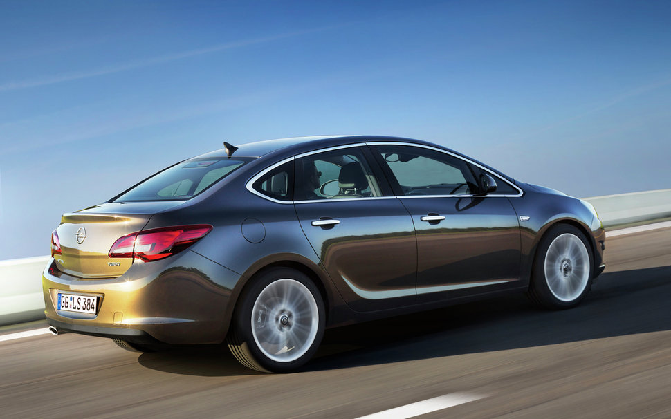 Photo Nouvelle Opel Astra Tricorps