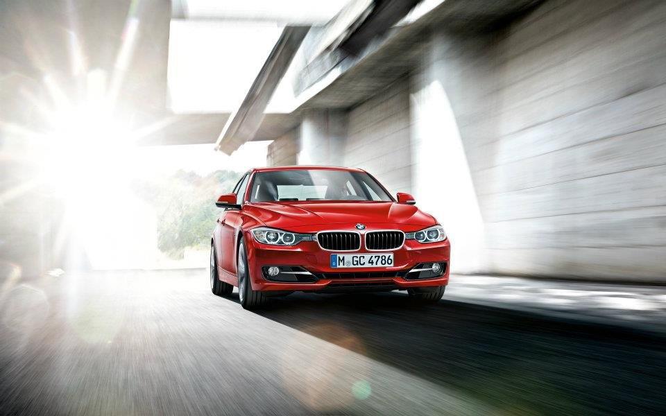 Photo Officiel : Nouvelle BMW Serie 3 rouge