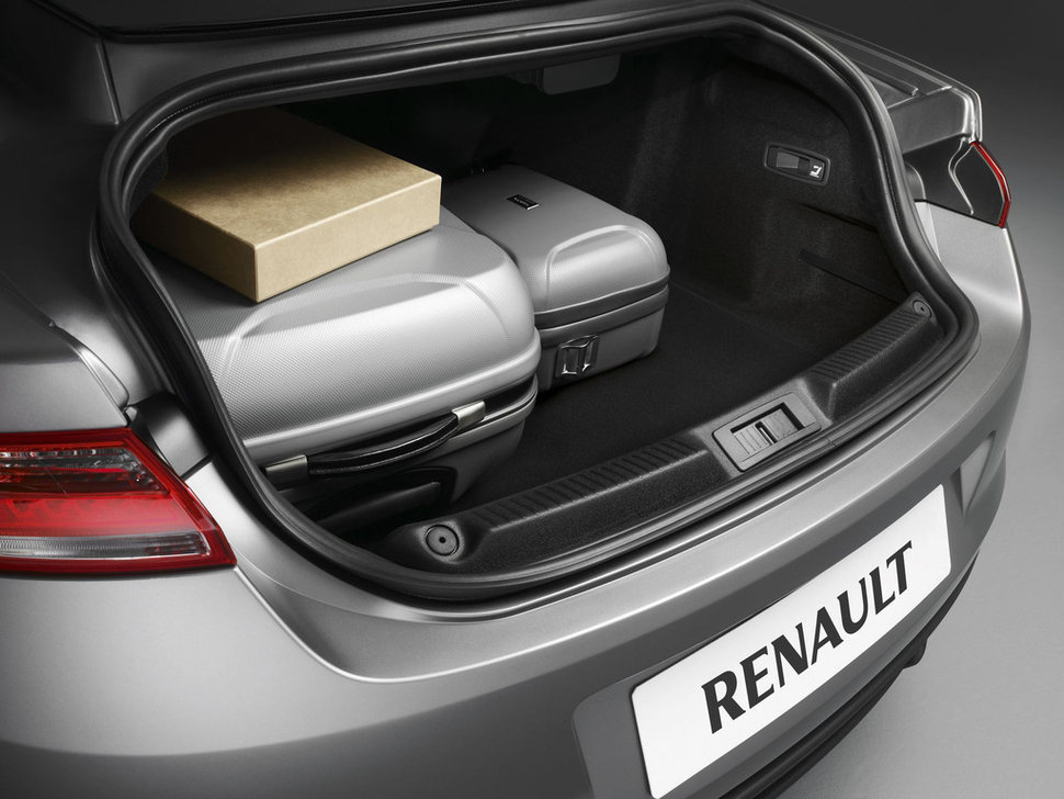 photo officiel renault laguna coupe 2012 volume coffre. Black Bedroom Furniture Sets. Home Design Ideas