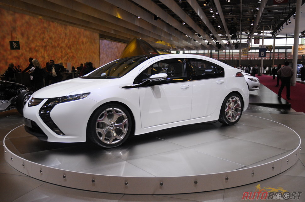 Photo Opel Ampera (mondial auto 2010)