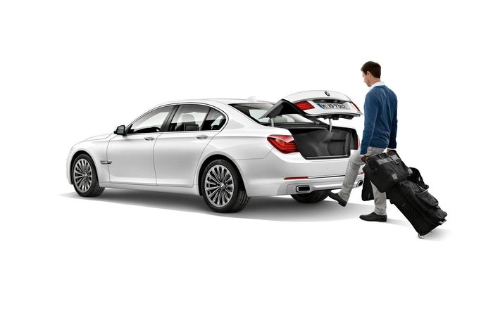 Restylage BMW Serie 7 - coffre ouverture auto