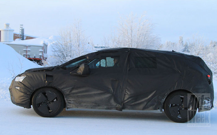 Spyshot : future Citroën DS5 (crossover ?)