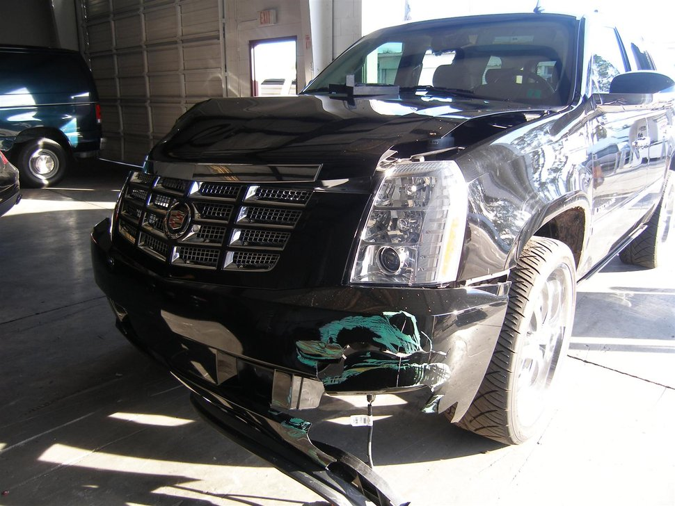 Who Owns Volvo >> PHOTO TIGER WOODS CADILLAC ESCALADE