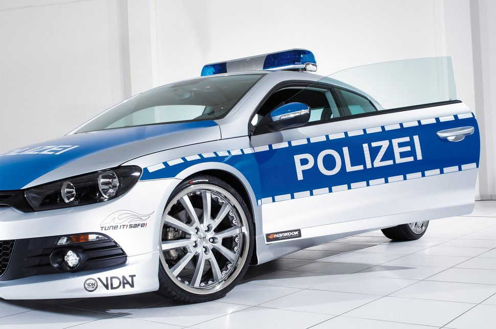tuning volkswagen scirocco voiture de police